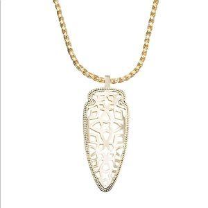 KENDRA SCOTT Sienna Pendant Necklace in Metallic